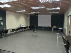 Venta Nave en Ejea con Oficinas Almacen Laboratorio Amueblada Sala Conferencias
