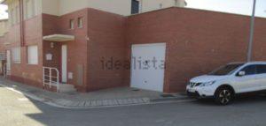Venta de Chalet en Luna Zaragoa con Jardin Dormitorio Puerta Garaje