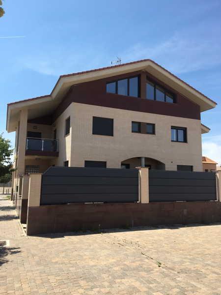Casa espectarcular en venta en ejea con buhardilla y bodega fachada fincas ejea fincas ejea - Casas con buhardilla ...