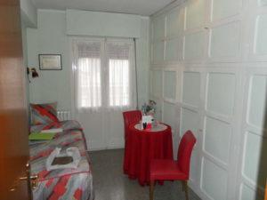 Venta piso céntrico amplio amueblado en Ejea Zaragoza Habitacion