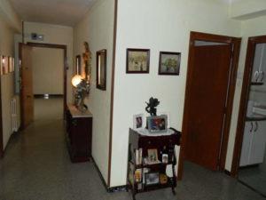 Venta piso céntrico amplio amueblado en Ejea Zaragoza Pasillo