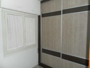 Venta piso Ejea calle Monjas con garaje, terraza y trastero Armario