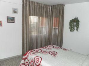 Venta piso Ejea calle Monjas con garaje, terraza y trastero Dormitorio