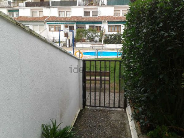 Venta de d plex con piscina en zona c ntrica de ejea for Piscinas milanuncios