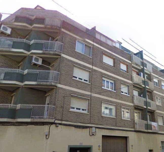 Venta piso atico en ejea 3 habitaciones fachada fincas for Busco piso compra