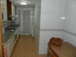Venta piso 3 habitaciones calefacción de gas 2 garajes en Ejea - Cocina granito