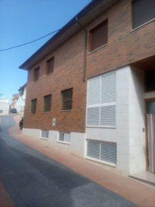 Casa en venta en Ejea con bodega y amueblada Fachada - Fincas Ejea