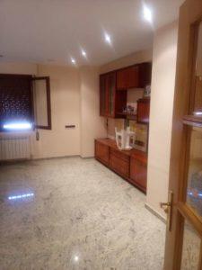Casa en venta en Ejea con bodega y amueblada Salon- Fincas Ejea
