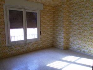 Venta piso centrico en Ejea 4 habitaciones reformar Dormitorio - Fincas Ejea