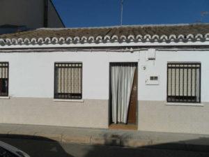 Venta de casa en Ejea centro con Corral Fachada - Fincas Ejea